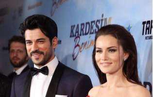 """Burak Özçivit, îndrăgitul Kemal din """"Dragoste infinită"""", va deveni tătic. Din păcate, actorul și soția lui trec printr-o perioadă foarte grea"""