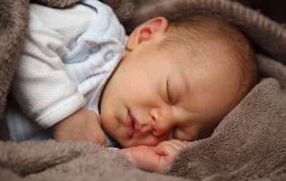 Cum iei temperatura la bebeluși. Află metoda corectă