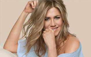 Jennifer Aniston spala toalete in liceu