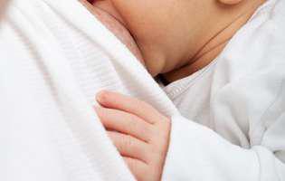 Alăptarea după cezariana de urgență. Ce ar trebui să știe orice mămică