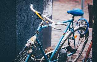 Curăță un lanț de bicicletă în cel mai ieftin și simplu mod posibil