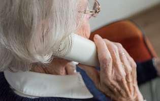 Cum să ai grijă de o persoană în vârstă