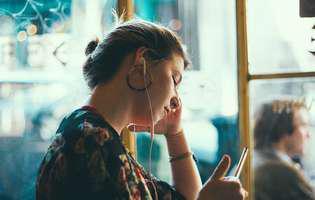 Sfaturi utile și simple să alungi singurătatea din viața ta