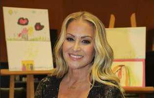 Ea este artista care a avut onoarea să cânte în fața papei. I s-a dat un set de reguli clare înainte de a-l delecta pe suveranul pontif