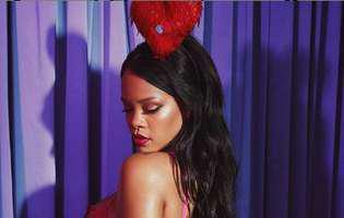 Rihanna si-a dat in judecata tatal