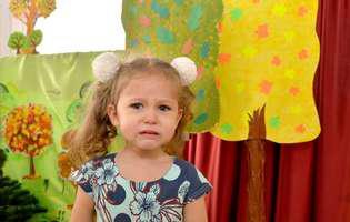 Copilul plânge când îl lași la grădiniță. Ce e de făcut pentru a rezolva situația