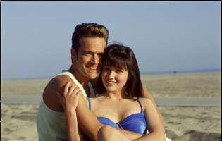 """Cum arată Brenda din Beverly Hills 90210, la doi ani de când a învins cancerul. Imaginile i-au uimit pe fani: """"Sunt norocoasă că sunt în viață..."""""""