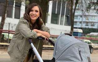 La trei luni după ce a devenit mamă a doua oară, Adela Popescu face dezvăluiri neașteptate. Cum îl alintă pe cel mic