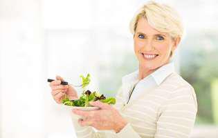 Cum să îmbătrânești sănătos: Adoptă o dietă echilibrată