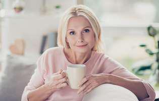Remedii naturale pentru osteoartrită: Ceai din plante antiinflamatoare