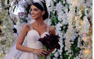 Ce semnifică florile din buchetul ales de Adelina Pestrițu la nuntă!Fanii s-au îngrozit
