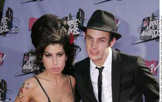 fostul sot al lui Amy Winehouse si-a dat fostii socri in judecata
