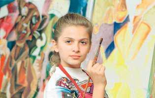 """O mai știți pe """"micuța Picasso""""? Astăzi este o femeie superbă, fericită și împlinită. Aflată într-o vizită în România, ea și-a dezvăluit un mare vis"""