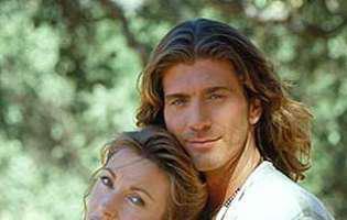 """Jane Seymour și frumuselul Sully s-au reîntâlnit la 26 de ani de la premiera serialului """"Dr. Quinn"""". Cum arată acum actorii"""
