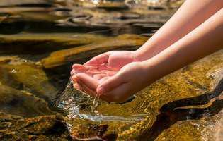 Cum se folosea apa neîncepută în ritualurile pentru sănătate