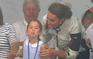 Adevăratul motiv pentru care prințesa Charlotte a scos limba către public la ultimul eveniment public