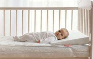 (P) Cauți o saltea de pătuț pentru bebe? Iată cum o alegi pe cea mai potrivită!