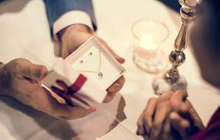 Ce bijuterii se potrivesc la fiecare aniversare a căsătoriei!