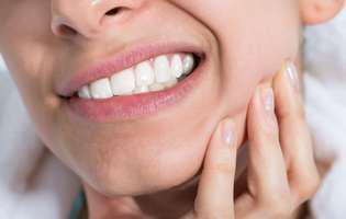 De ce te dor dinții: Bruxismul poate fi de vină