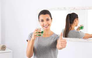 Tratamente naturale pentru sforăit: Gargara cu ceai de mentă