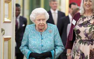 regina Elisabeta are o angajata care ii poarta pantofii