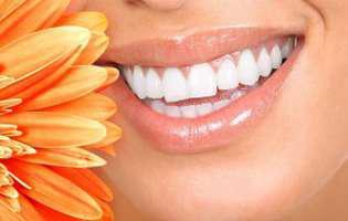 Cum să ai dinți albi și strălucitori în doar 2 minute
