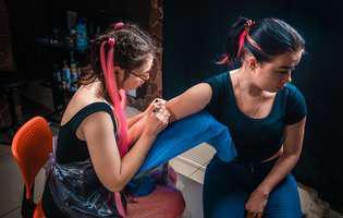Adolescentul vrea să-și facă tatuaj. Decizia îi aparține