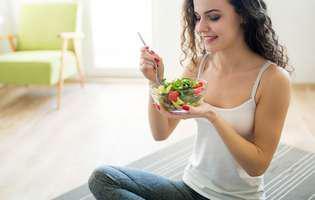 Secretul femeilor slabe: Nu mânca pe fugă
