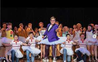 Elton John a injurat pe scena