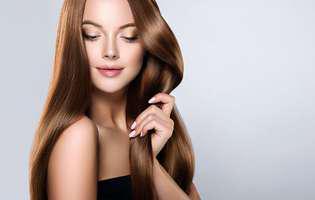 Cum să îți faci singură un spray pentru păr lucios și mătăsos