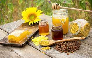 Farmacia din stup. Cum te poți trata cu miere, păstură sau polen