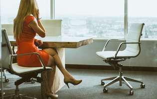 (P) Cum folosești corect un scaun ergonomic ca să eviți durerile lombare?