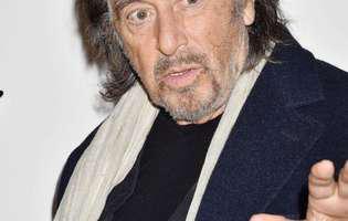 Al Pacino a cazut pe covorul rosu, la premiile Bafta
