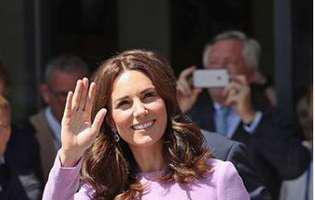 E ceva ce ducesa de Cambridge nu poate face? Seara la teatru, dimineața… Și a mai și furat startul!