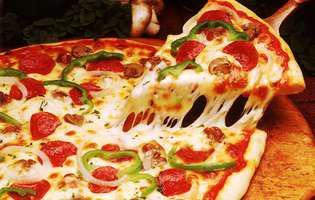 Cine a inventat pizza - felie de pizza