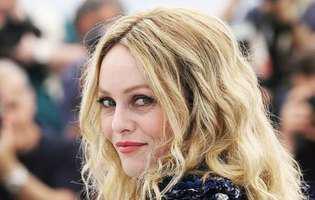 Vanessa Paradis il apara pe Johnny Depp