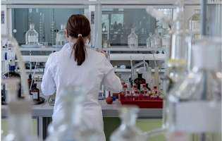 Experții Harvard spun care e cea mai bună metodă de a aborda epidemia de coronavirus. Cât ar trebui să dureze carantina