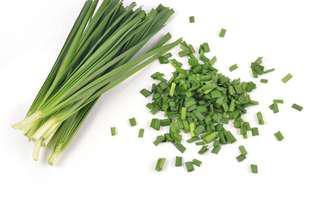 mănânci usturoi verde