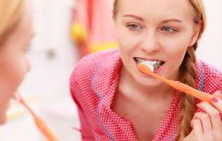 Cele mai comune cauze ale sângerării gingiilor: Igiena orală deficitară