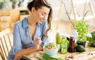 """Metode naturale de a scăpa de grăsimea de pe burtă: Alimente care """"topesc"""" grăsimea"""
