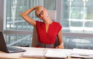 Îngrijire pentru persoanele care lucrează la calculator: Cum combați durerile de cap