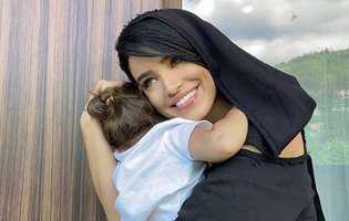 Adelina Pestrițu, în costum de baie la mare după ce s-a spus că ar fi însărcinată
