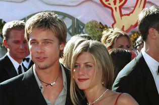 Brad Pitt și Jennifer Aniston, împăcarea pe care fanii o aşteaptă de 15 ani? Imaginile cu ei, când s-au îmbrățișat, au devenit virale!