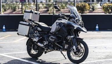 BMW a creat o motocicletă autonomă: De ce nu poți s-o cumperi
