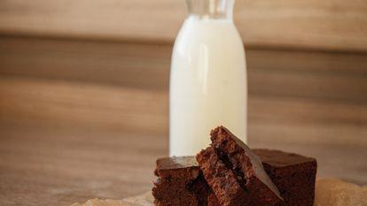 O mama a pregatit negrese cu propriul lapte, apoi le-a dus la scoala copilului