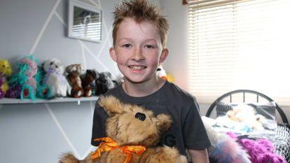 La doar 9 ani a devenit eroul copiilor bolnavi de cancer din toata lumea