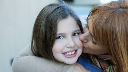 10 lucruri pe care sa i le spui fiicei tale inainte sa implineasca 10 ani