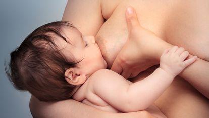Alimentele care pot da gaze bebelusului, atunci cand le consuma mama