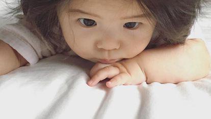 Bebelus de 7 luni a devenit vedeta pe Instagram dupa ce oamenii i-au vazut parul