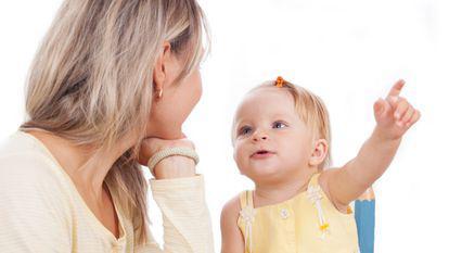 Dialogul cu bebelusii ii poate face mai destepti